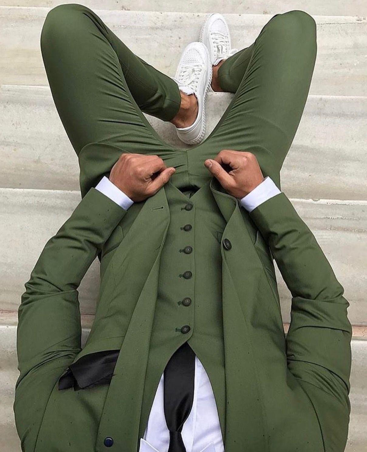 pingl par v tements chic pour homme sur cravates chic pour homme mens fashion wear men. Black Bedroom Furniture Sets. Home Design Ideas
