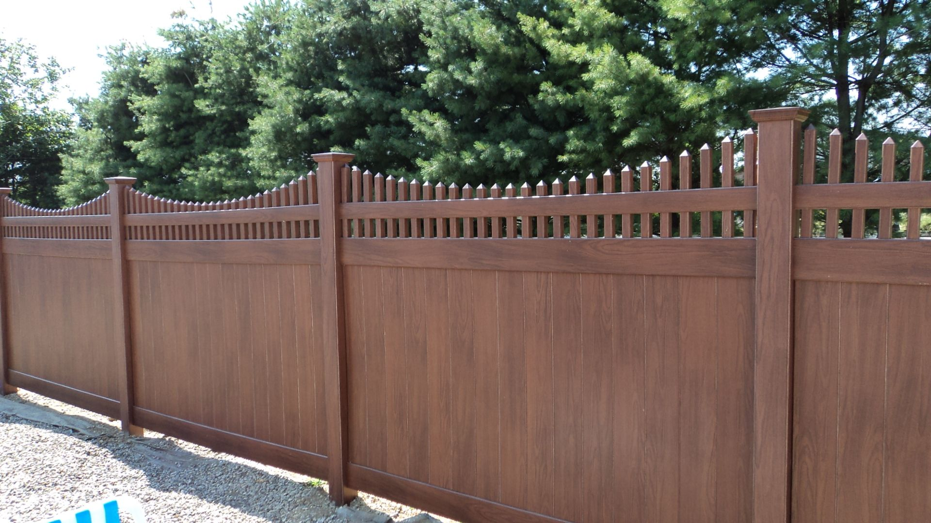 Brown 6 High Vinyl Privacy Fence With Scalloped Classic