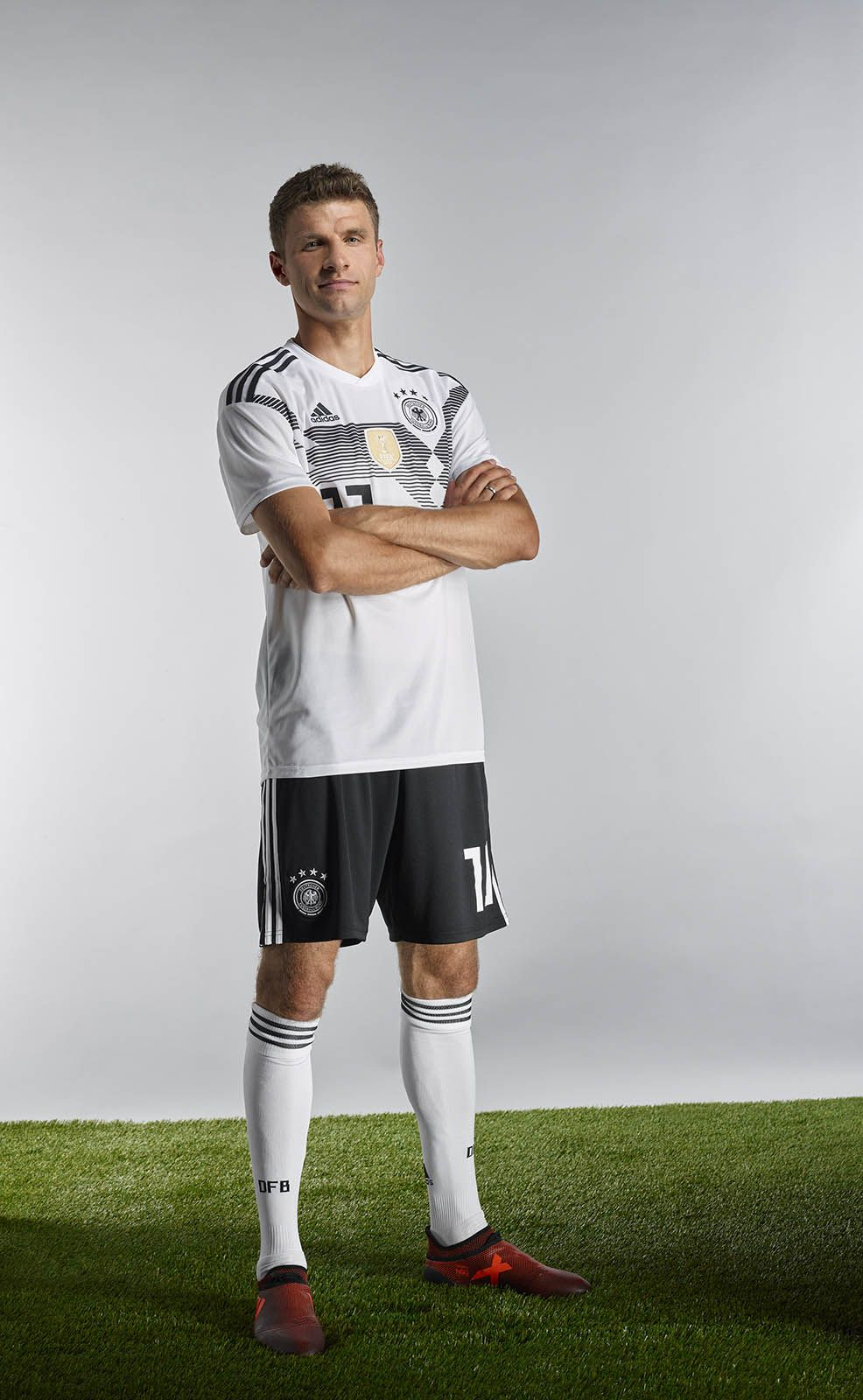 The Germany 2018 World Cup Kit Brings Back One Of The Country S Most Iconic Jersey Designs Of All Time World Cup Jersey Fashion Germany