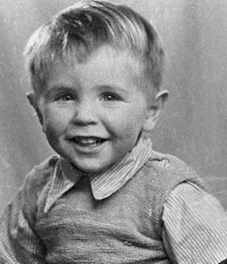 Stephen Hawking (1942- )  http://en.wikipedia.org/wiki/Stephen_hawking  http://www.kuriositas.com/2010/03/famous-scientists-as-children-answers.html