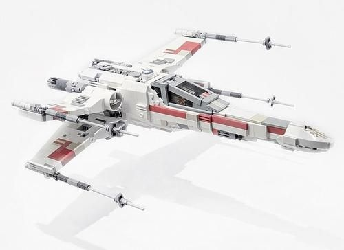 Perhaps the only Lego Star Wars vehicle better then this is the Millenium Falcon.