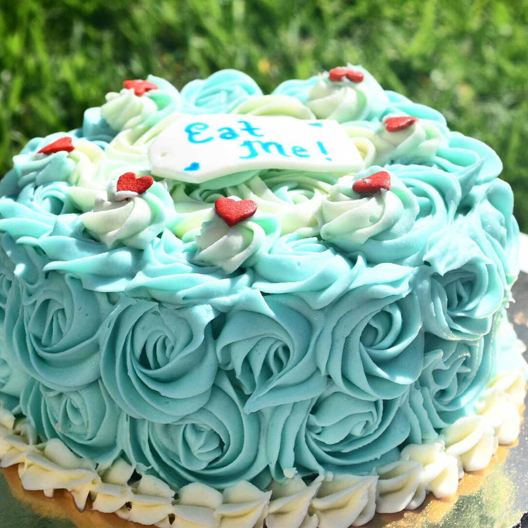 Alice And Wonderland Theme Smash Cake Blue And White Rose Ombre