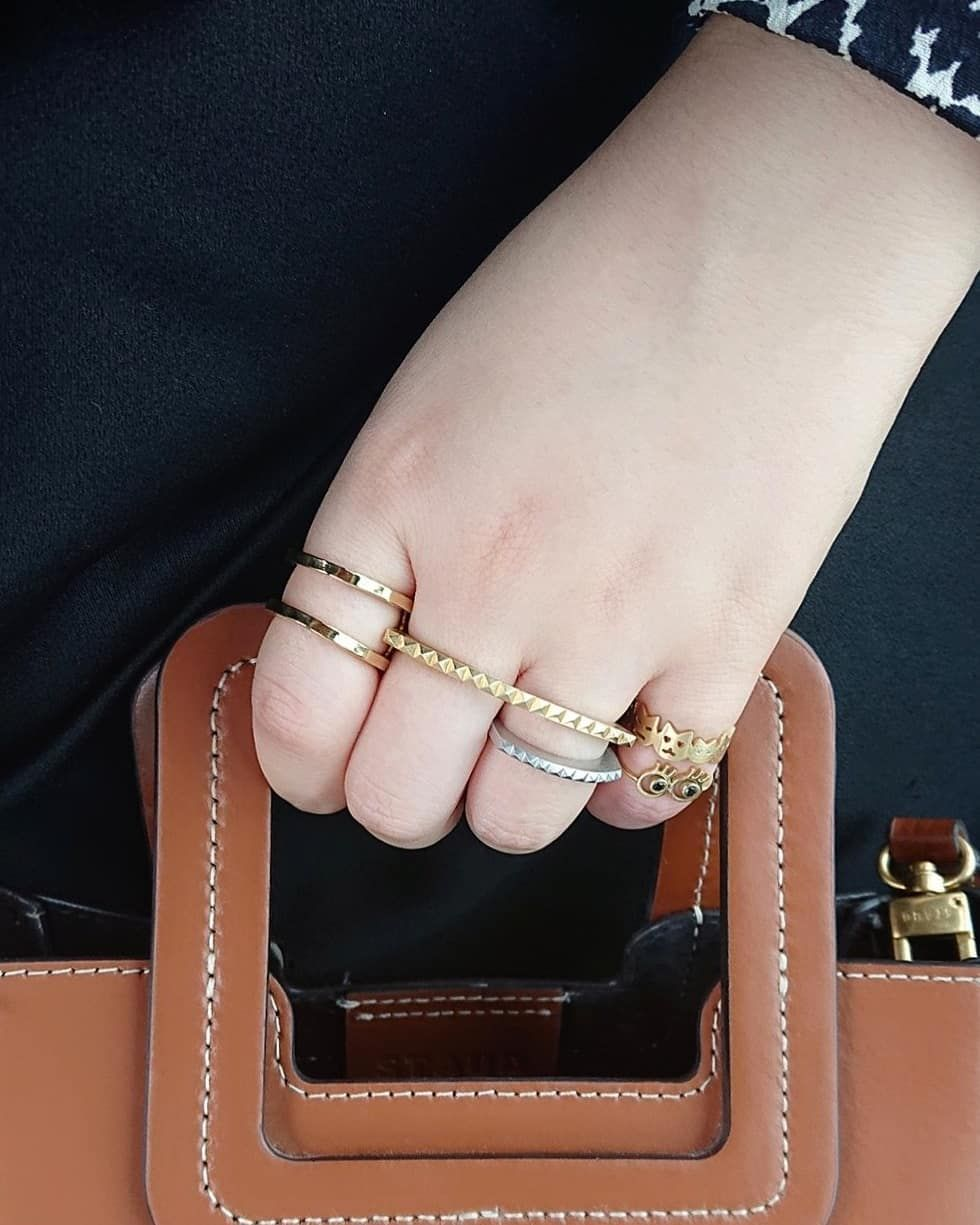 komiの新作ネコリングはピンキー派 一番小さいサイズ xs は子猫にダイヤが入っています インスタを見てご来店される方もちらほら 在庫もまだございますので是非ゴールドアンドバウンシー松屋銀座店でご覧ください komi komidesigns g gold bracelet jewelry