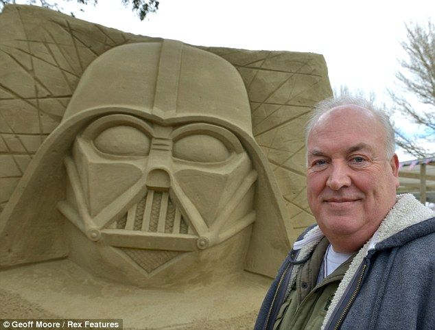 Designer Of The Darth Vader Mask Brian Muir Was Guest Honour At Festival