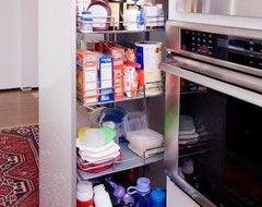 No local cozinha é pequena demais para usar sabiamente com gavetas de canto, prateleiras giratórias, Susans preguiçosos e muito mais