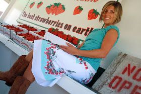 Vintage tablecloth made into skirt, I love this idea!
