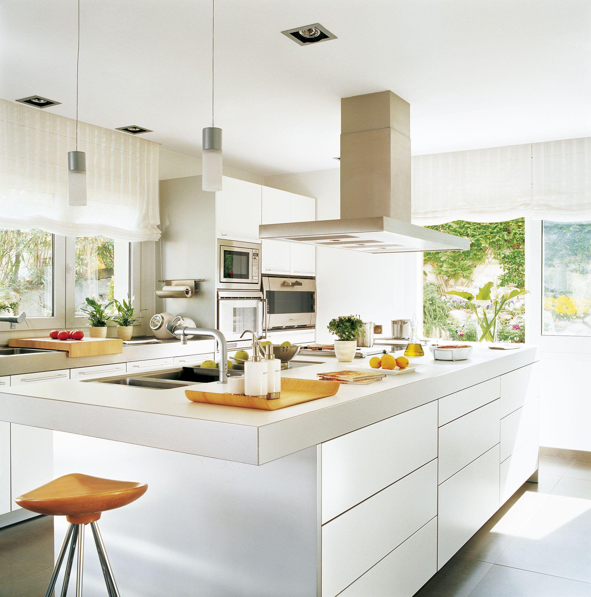 Con Preciosas Vistas Cocinas Blancas Decoracion De Cocina