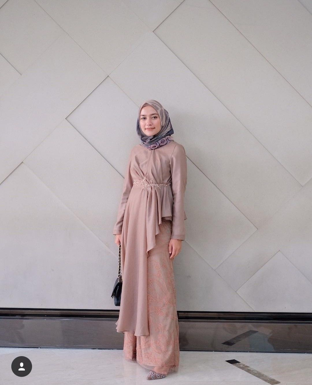 stylist idea outfit  Pakaian wanita, Pakaian pesta, Model pakaian