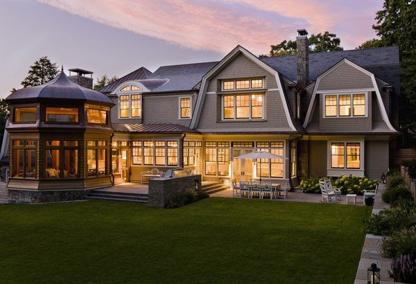 How To Make The Best Of The Mansard Roof Awesome Ideas Shingle Style Homes Gambrel Roof Gambrel