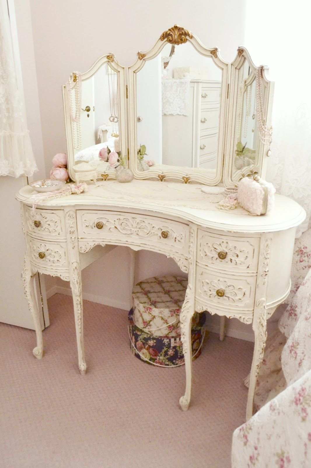 Muebles Shabby Chic Jennelise A Painted Room Tocador Vintage Pinterest