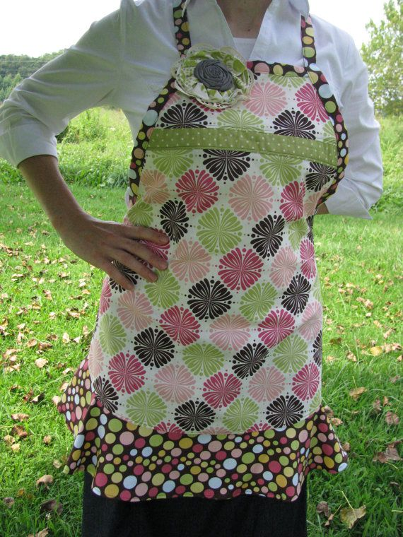 Women's full apron with flounce by ConfidenceCrafters on Etsy, $30.00