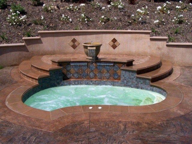 garten pool einbauen ideen brunnen fliesen Gartenbrunnen - garten brunnen stein ideen