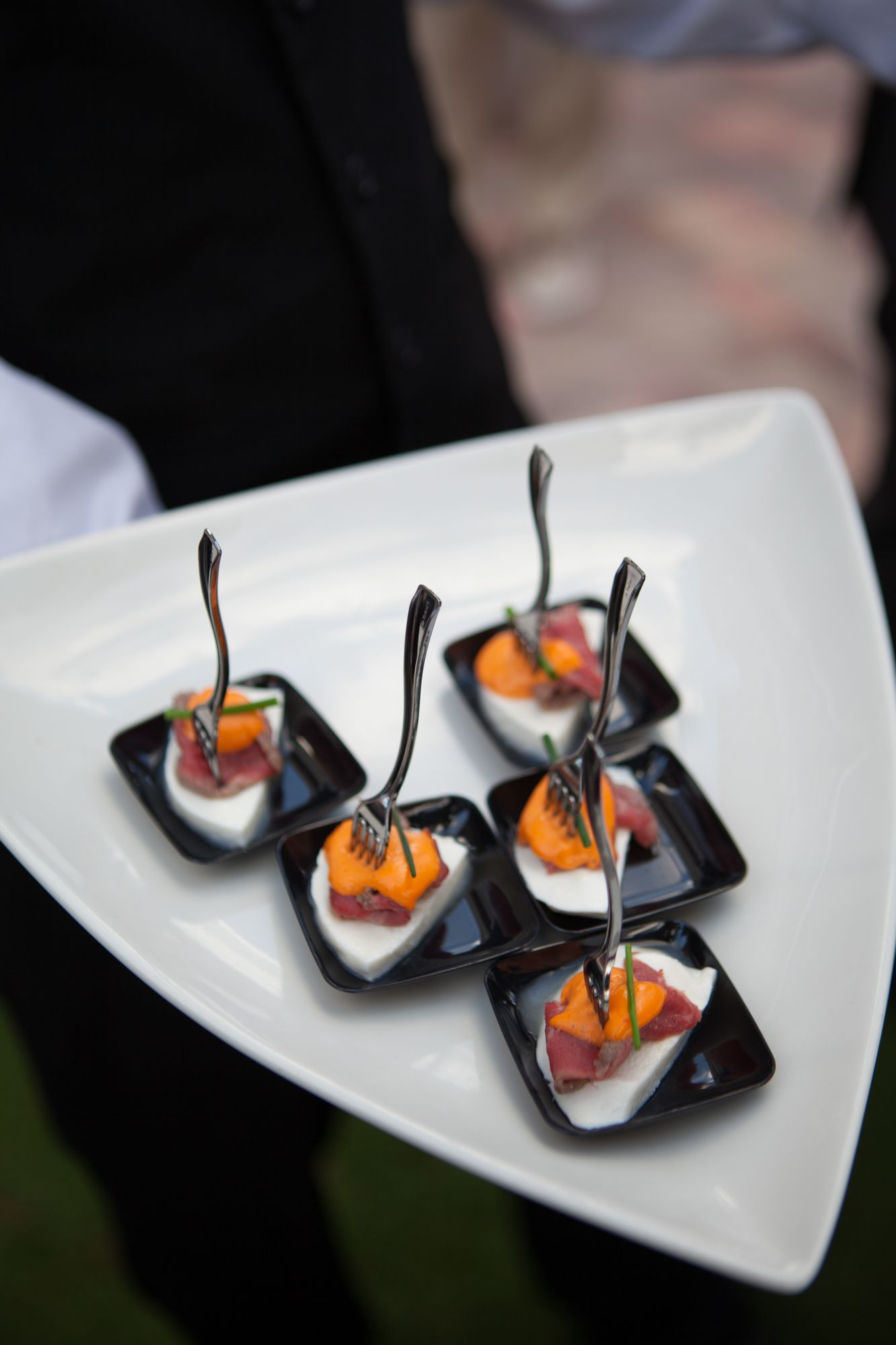 Passed hors d oeuvres sliced beef tenderloin red pepper for Canape hors d oeuvres difference