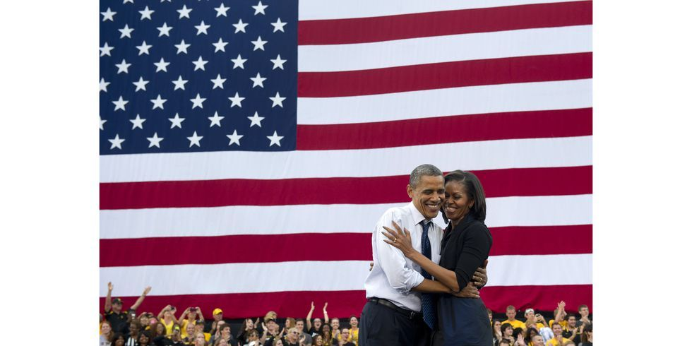 Barack And Michelle Obama Share One Final Kiss At The White House