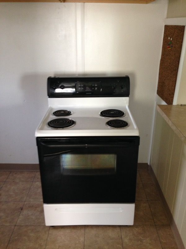 Used Normal Wear Electric Stove Four Years Old