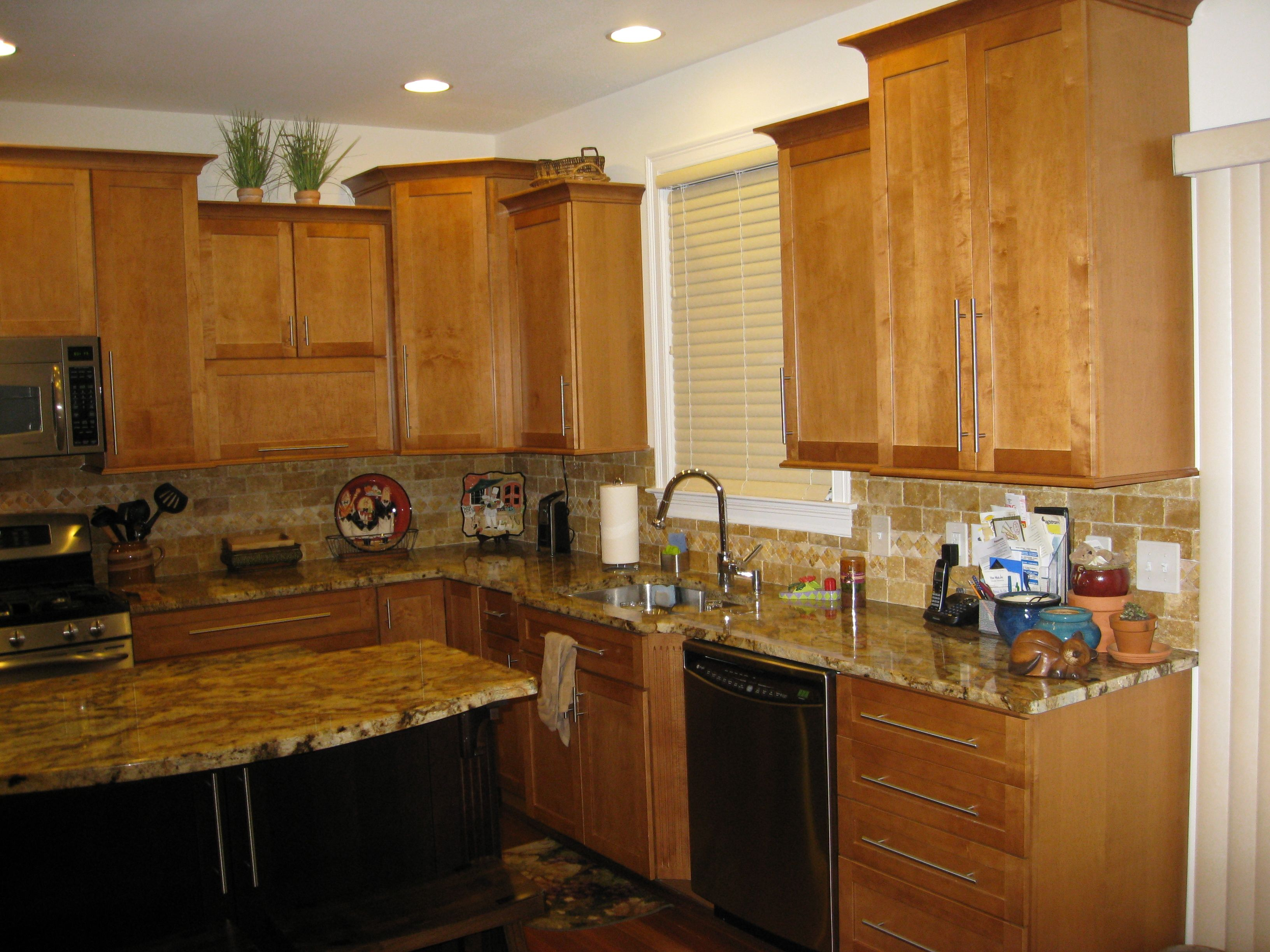 light maple cabinets with new venetian gold granite ... on Maple Cabinets With Granite Countertops  id=28995