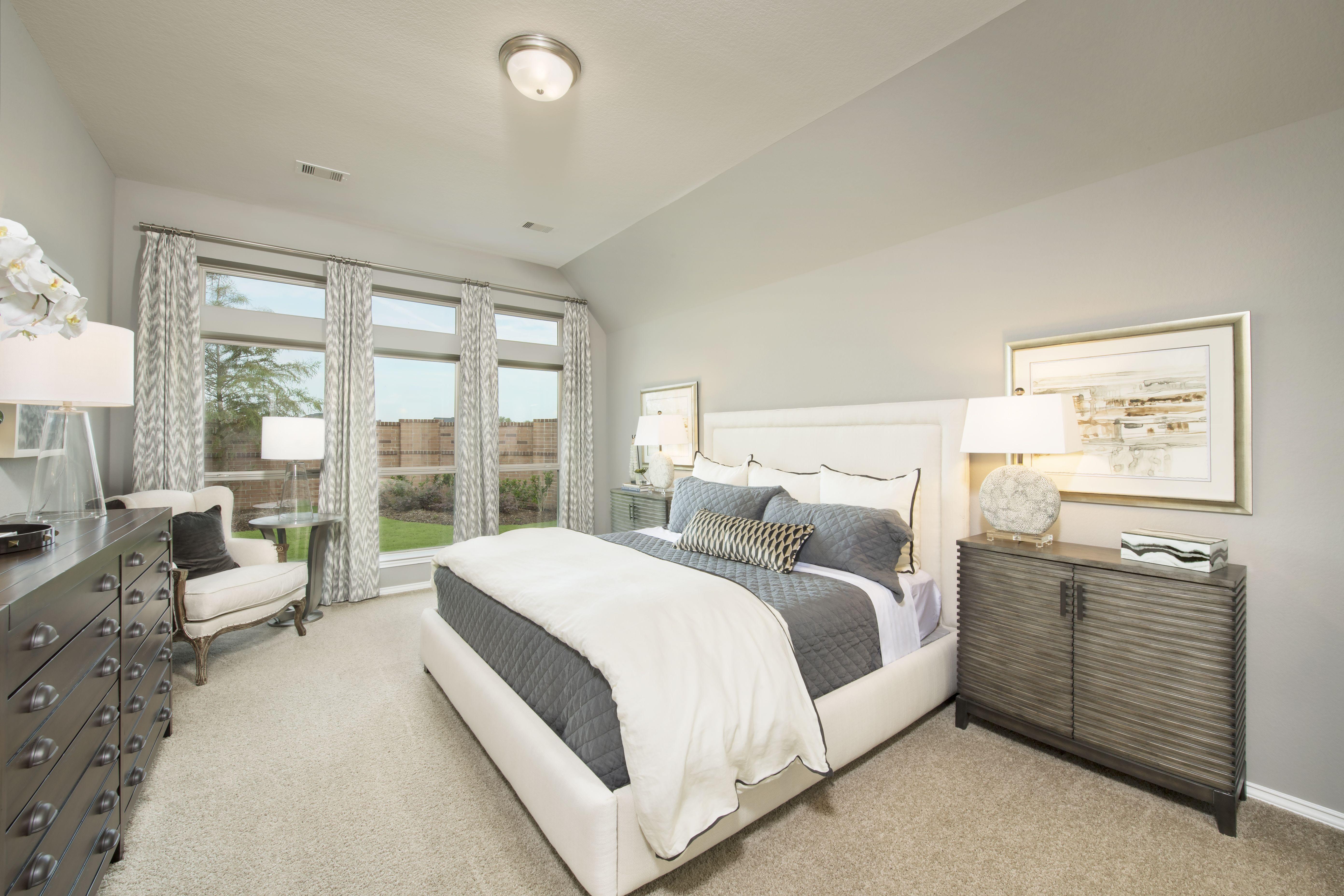 Lakes Of Bella Terra Model Home 2 267 Sq Ft Master Bedroom