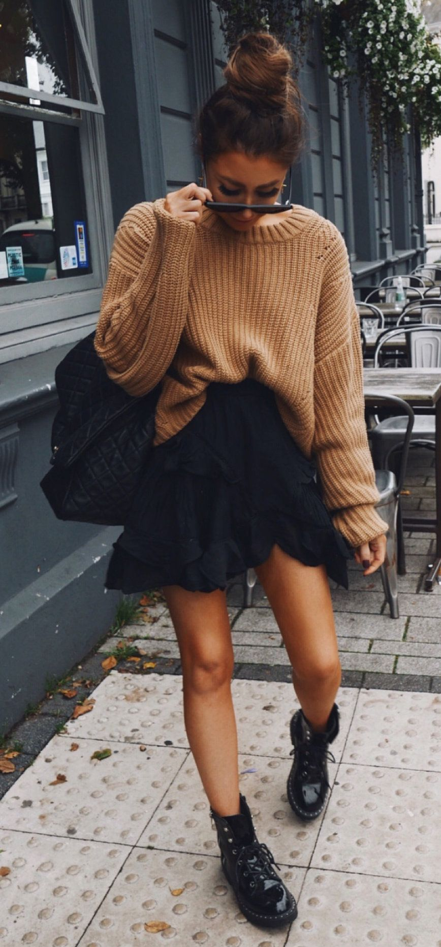 10 Trendy Fall Outfits You Should Already Own Trendy Fall Outfits Mini Skirts Miniskirt Outfits