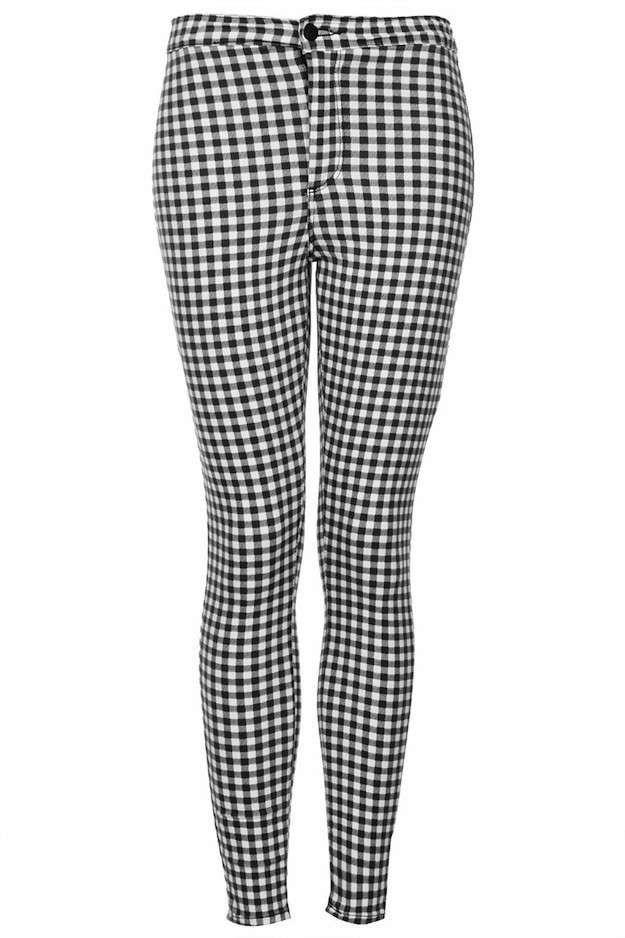 Moda años 90 para mujer  Vuelve el estilo - Pantalón de cuadros ... 1bf0c3db6c3d