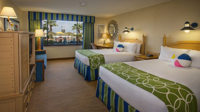 Disney S Paradise Pier Hotel Standard Room 2 Queen Beds And 1 Day
