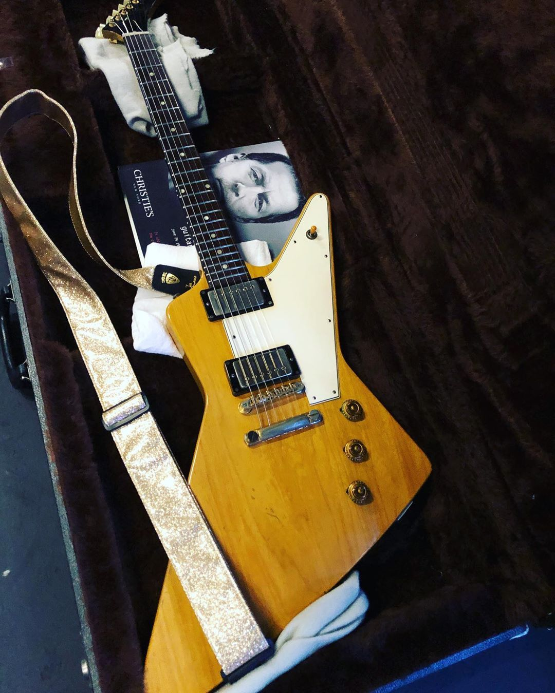 Joe Bonamassa On Instagram Another Guest Guitar For Our Summer Tour Eric Clapton S 1958 Gibson Explorer It S A In 2020 Gibson Explorer Eric Clapton Joe Bonamassa