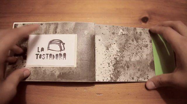 La Tostadora DOS. Muestra del Segundo libro de La Tostadora: DOS.  Publicado en Noviembre de 2012.  Mas info: latostadorafanzine.blogspot.co...