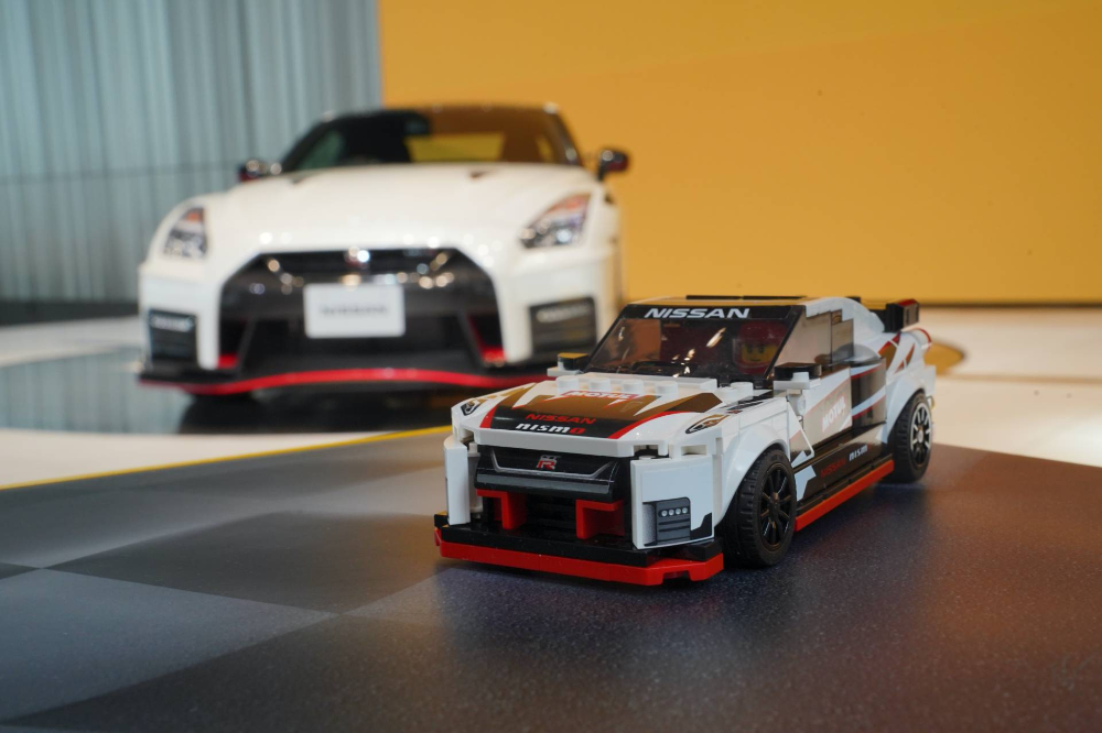 Nissan Gt R Finally Gets Official Lego Set For Its 50th Anniversary Carscoops Nissan Gt Nissan Gt R Nissan