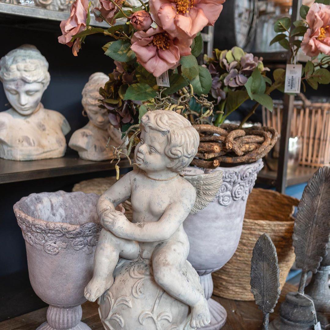 Setze Deinen Garten Neu Szene Engel Putten Busten Konnen Dabei Tolle Highlights In Deinem Romantisch Stilvollen Garte Garten Deko Gartengestaltung Garten