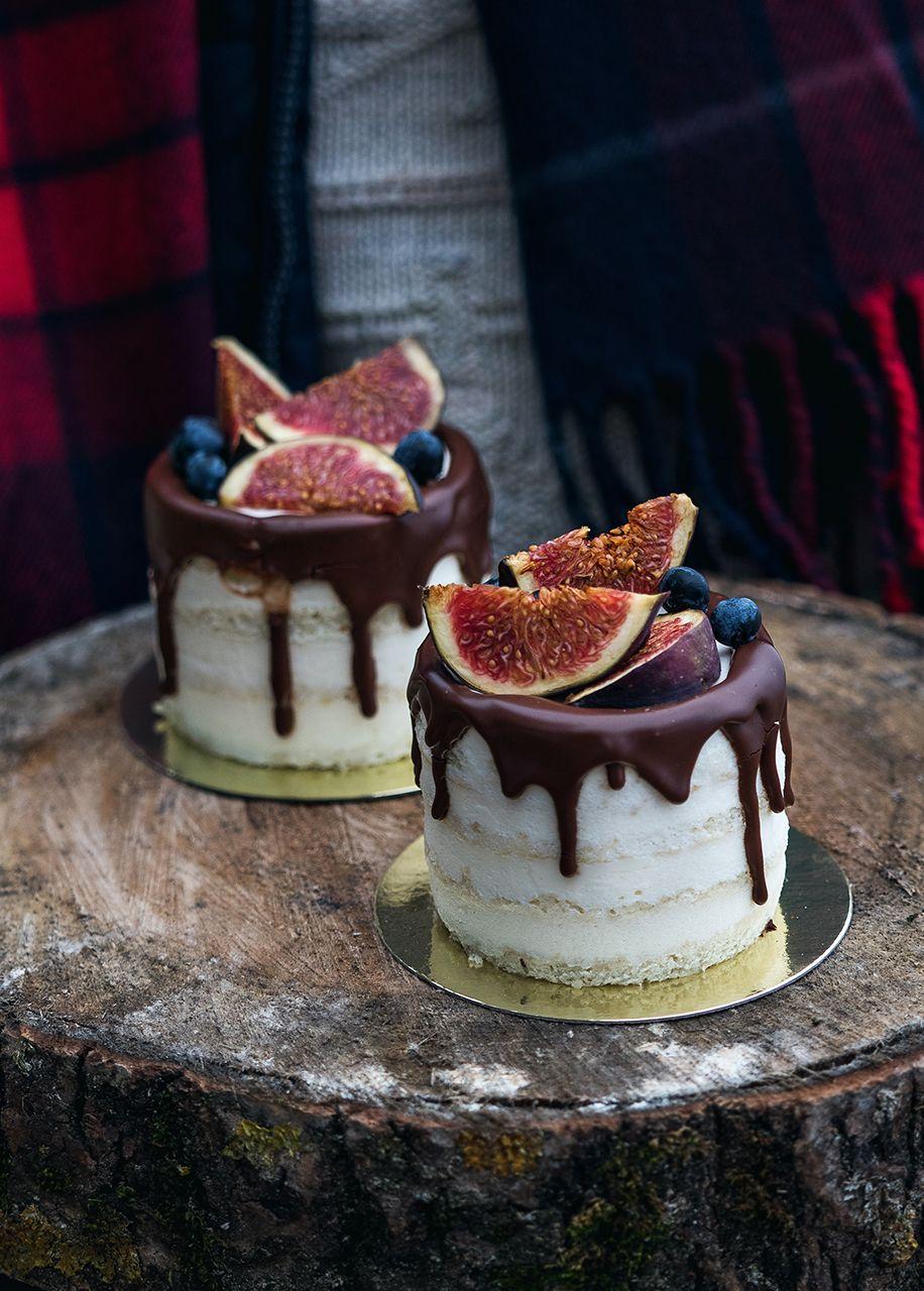 Индивидуальные мини тортики оформленные свежим инжиром и ...