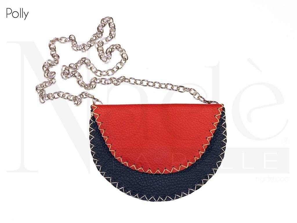 Polly, piccola pochette in pelle con tracolla a catena removibile e fianchi cuciti a punto selleria