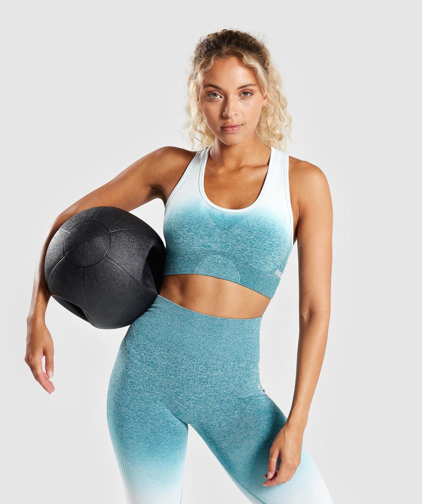 082ac0c2ee14d Gymshark Ombre Seamless Sports Bra - Deep Teal Ice Blue in 2019 ...