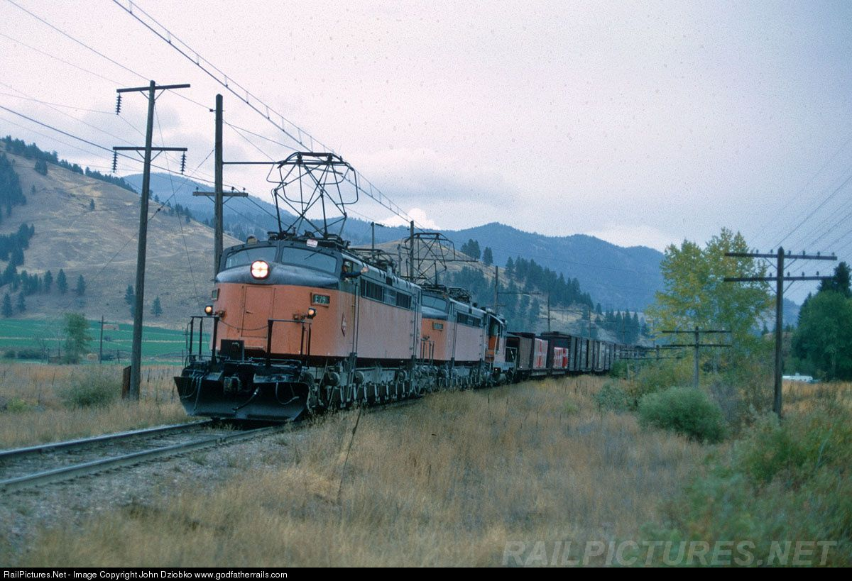6961614af7429cee0b5c7c0b1066ee11 - Along the Milwaukee Road #2