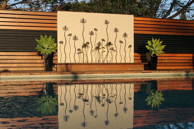 Outdoor feature walls ideas outdoor wall water feature for Exterior wall designs