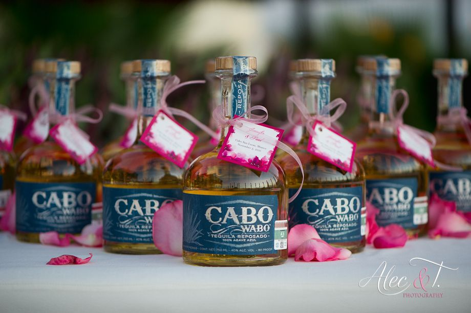 Cute Party Favor But With Hawaii Booze Great For Destination Wedding