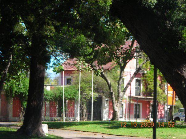 """Cocheras ubicadas en el llamado """"Prado chico"""", entrada por camino Castro. Prado, Montevideo, Uruguay."""