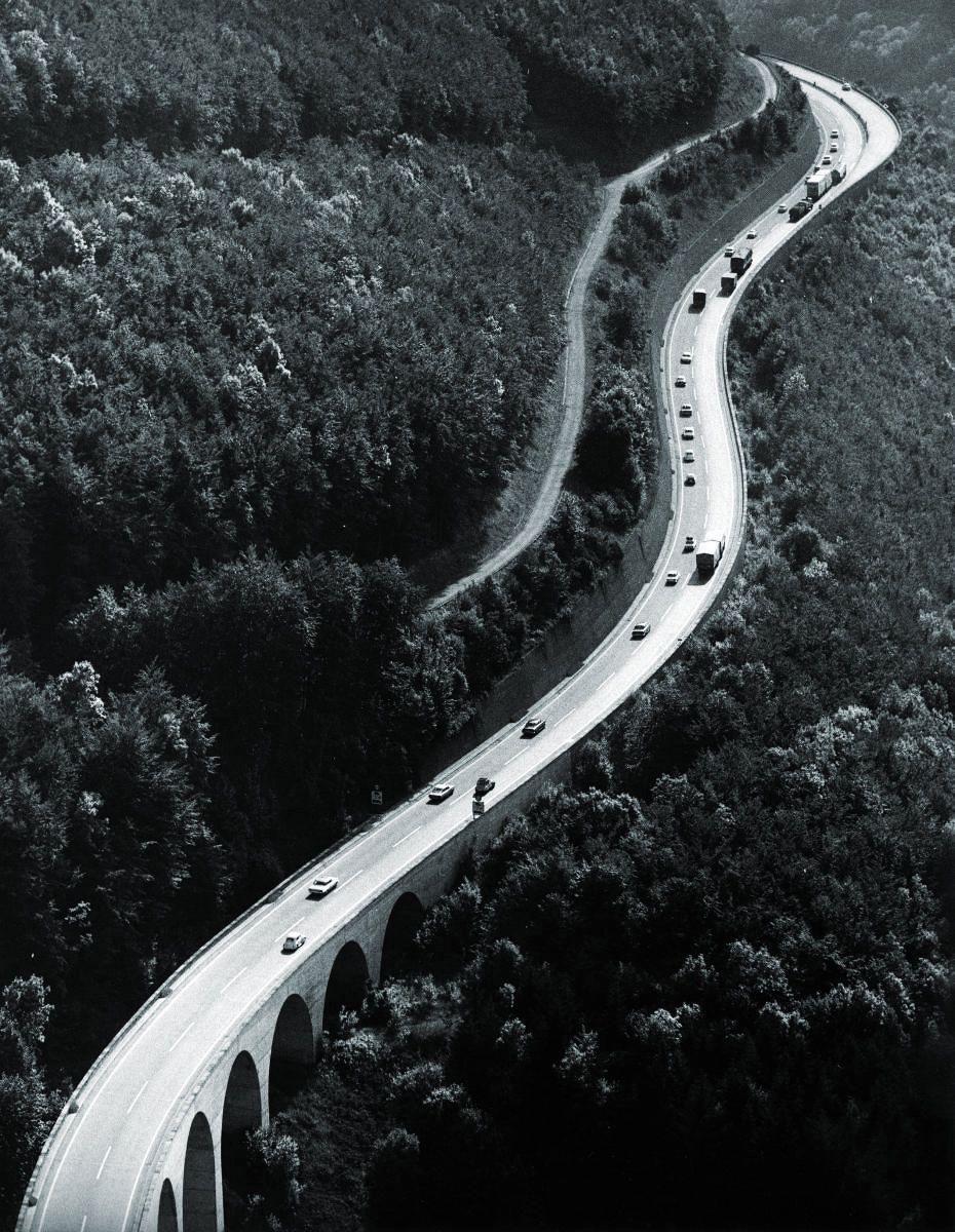 Die besten 25+ Autobahn deutschland Ideen auf Pinterest | Famous germans, Ddr deutschland und ...