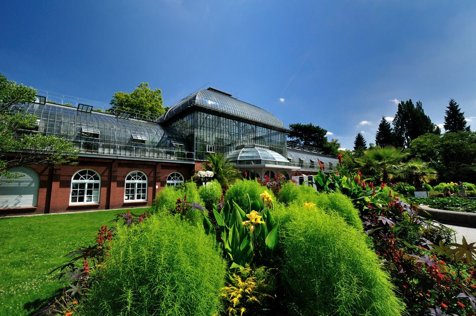 The Palmengarten is Frankfurt's botanic garden. House styles