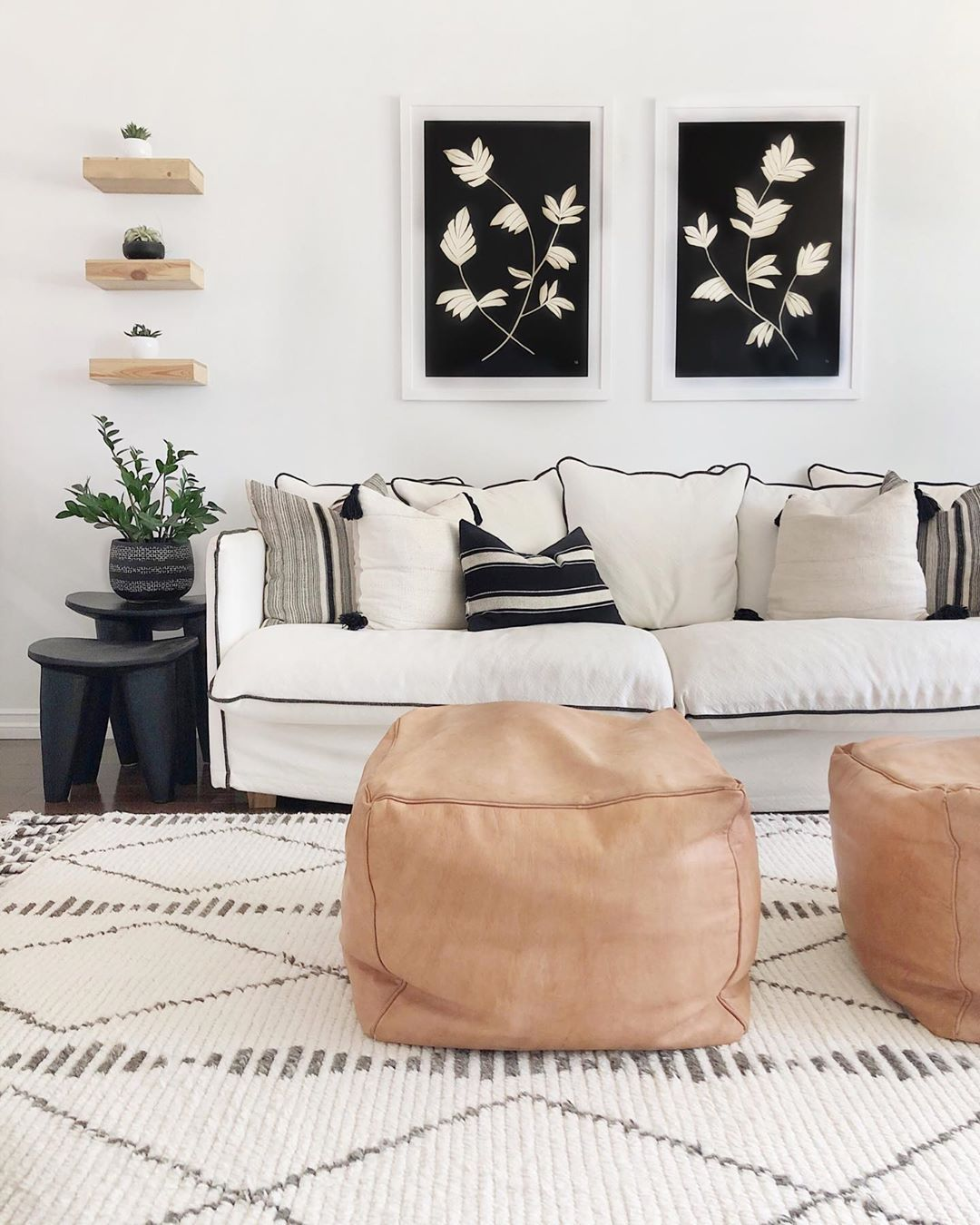 Design Your Own Living Room Free: Black, White, And Beige Are All The Color This Gorgeous