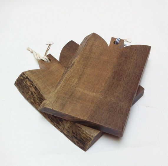 Tabla de cortar de madera de elondo. Tabla para por PETULAPLAS
