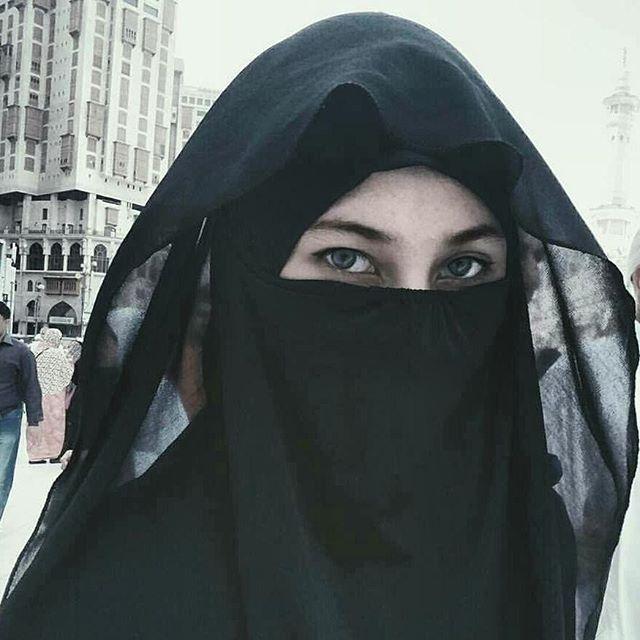 Cue Www Pinterest Com Kashifkhan143 Niqab Arab Beauty Beautiful Muslim Women
