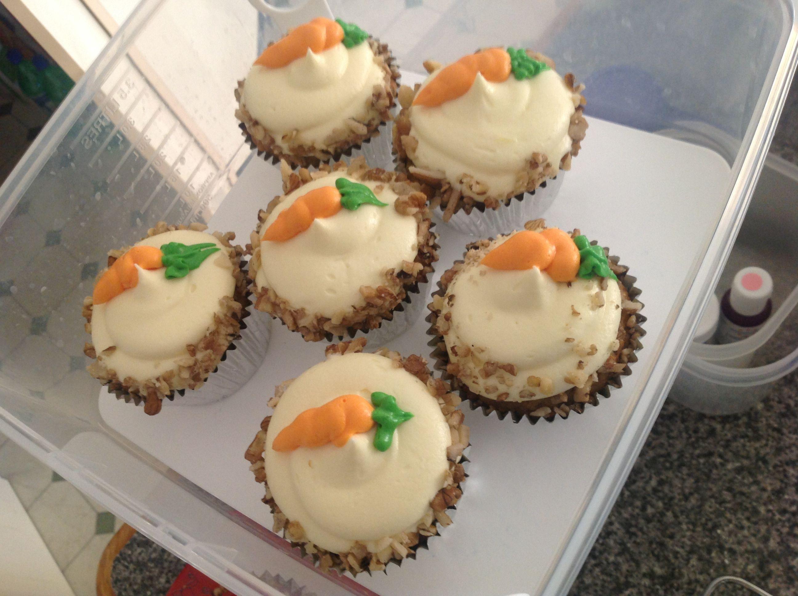 Carrot cake cupcakes i made carrot cake cupcakes