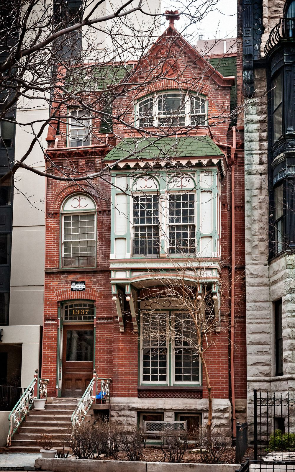 Photo of Augustus Warner House (1884), 1337 Dearborn Pkwy, Gold Coast, Chicago, IL, USA