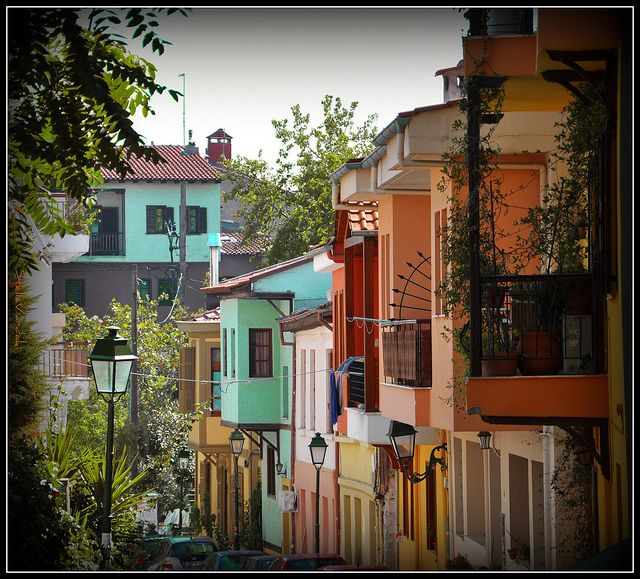 Ano Poli : the  colourful old town near the Castles