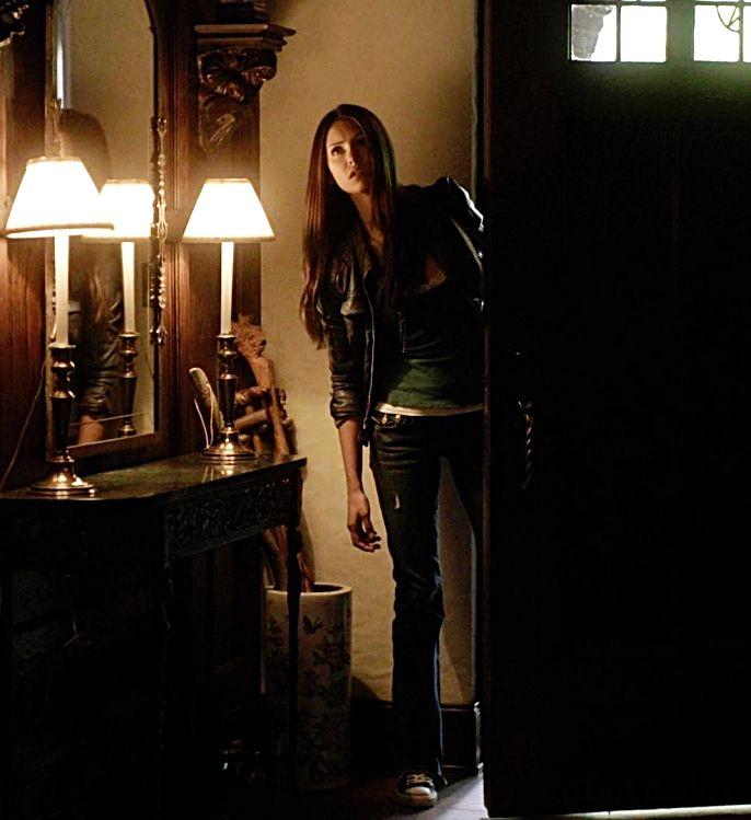 Elena Gilbert | Nina Dobrev | Elena gilbert style, Elena ...
