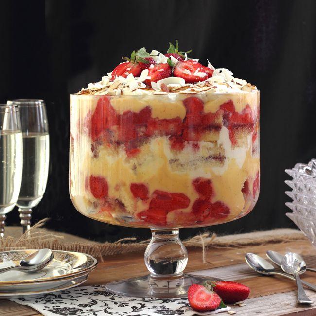 The Kiwi Cook | Strawberry Trifle | http://thekiwicook.com