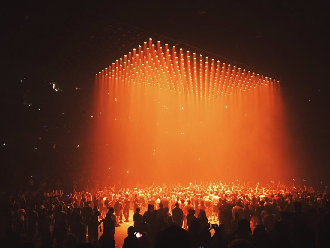 Kanye West Kicks Off Saint Pablo Tour Floating Stage Wows Crowd