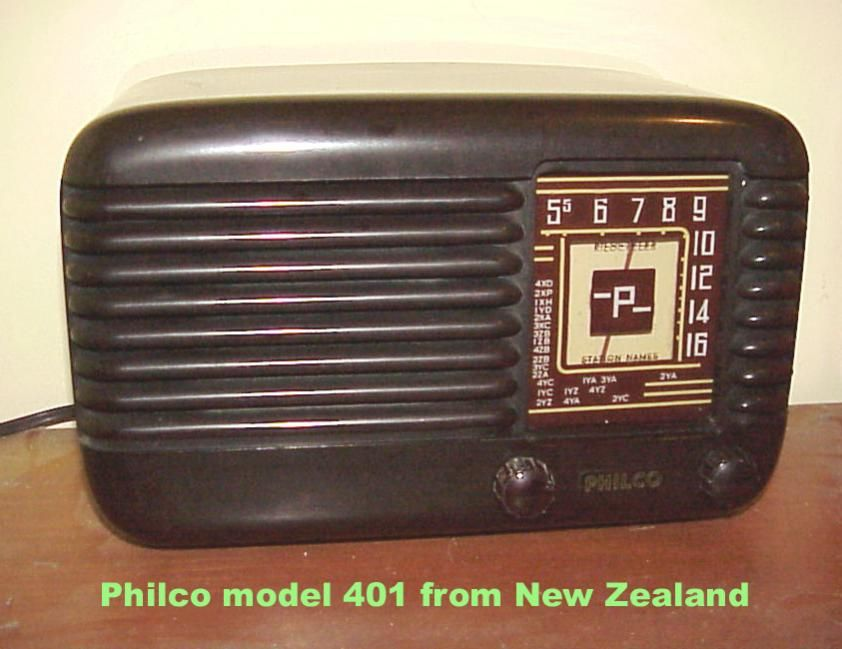 Antique Radio We Have One Like This In Our Attic Antique Radio Vintage Radio Old Radios