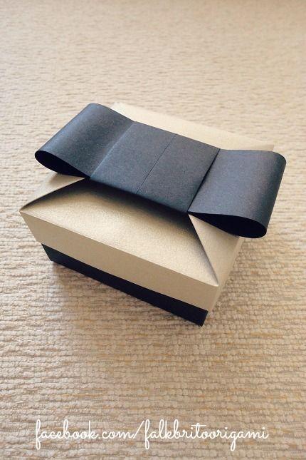 """Boîte et papier plié façon """"noeud"""""""