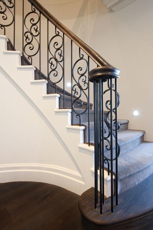Best Curved Stair American Oak Bullnose Handrail Black 640 x 480