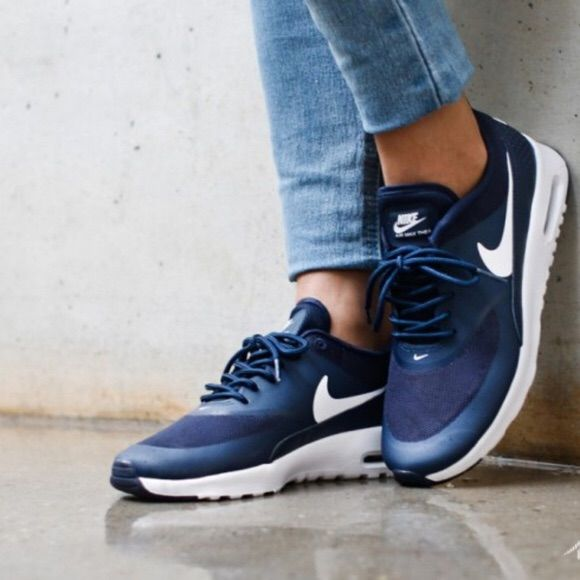 nike air max thea snickers